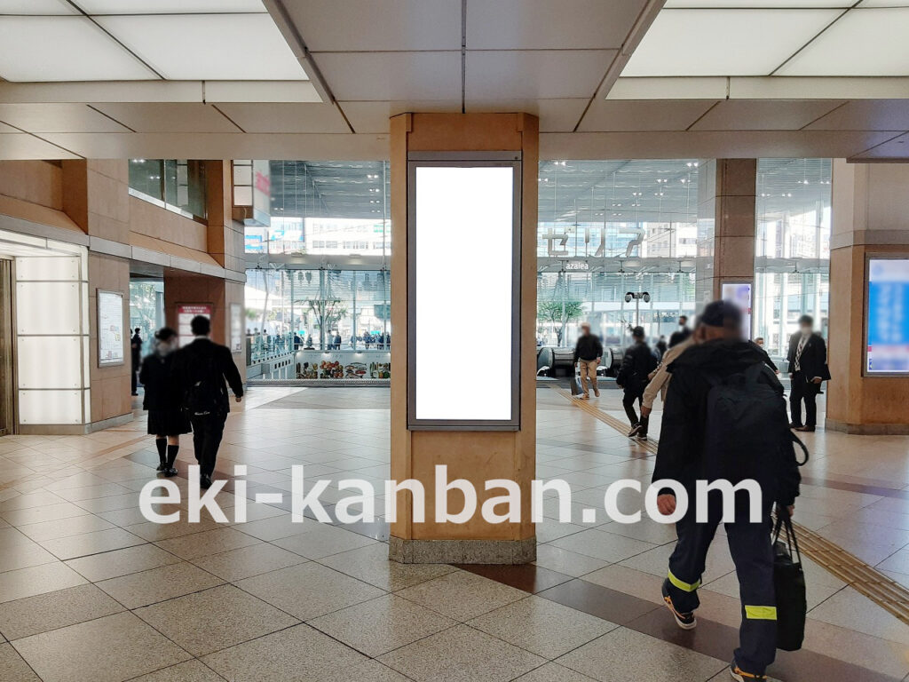 JR/川崎駅/東口1階/№113駅看板・駅広告、写真1